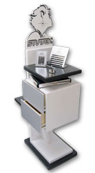 Studex-Ohrlochstech-Station im Fachgeschäft