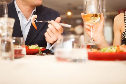 Valentijnsgeschenken voor haar: uit eten gaan en andere evenementen
